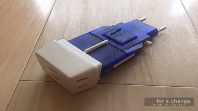 電源変換プラグと電源タップ