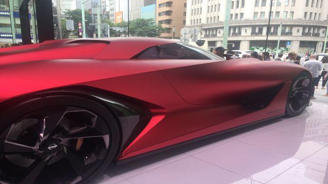 東京の展示場の次世代燃料電池自動車