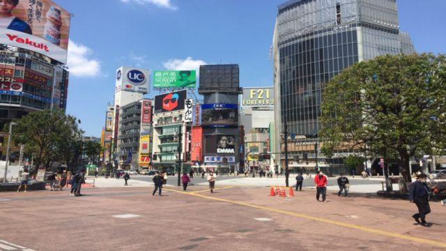 非常事態宣言で人がいない渋谷のハチ公交差点前