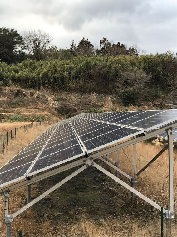 日本の田舎にも設置が増えているソーラーパネル