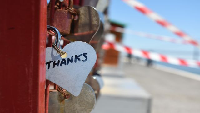 「ありがとう」の札がついたカギ