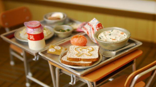 日本の小学校の給食