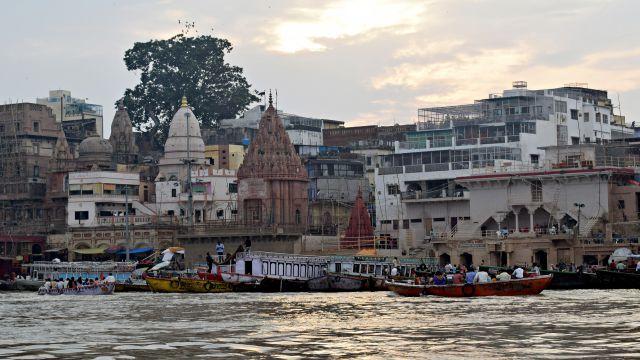 講師が住むインドの川の風景