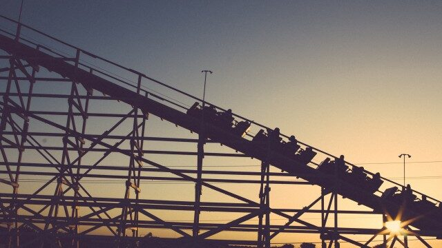 roller coasterには前置詞onを使う