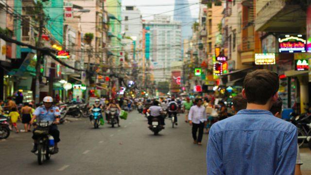 オンライン英会話で英語を勉強して海外に一人旅に行く